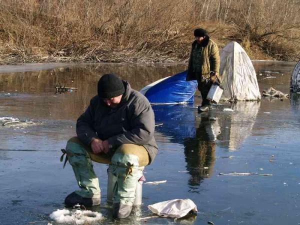 Ловля рыбы по первому льду