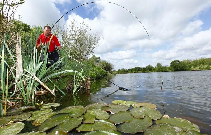 Ловля матчевым удилищем на озере