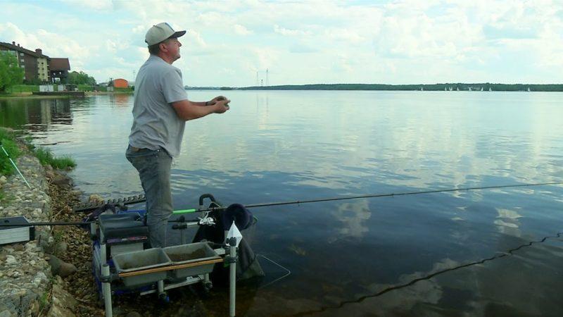 Ловля рыбы болонским удилищем с фиксированным поплавком