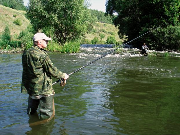 Ловля впроводку на быстрой реке