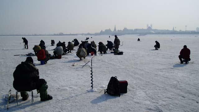 Снаряжение, необходимое для зимнего лова рыбы