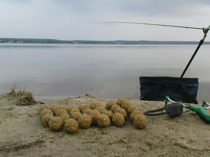 Простая и бюджетная прикормка на всю мирную рыбу