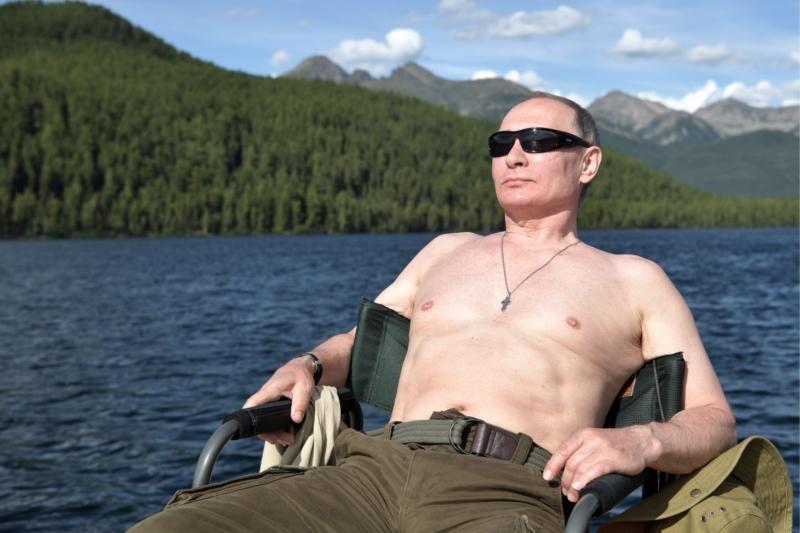 Сколько зарабатывает Владимир Путин ( официально и не официально)
