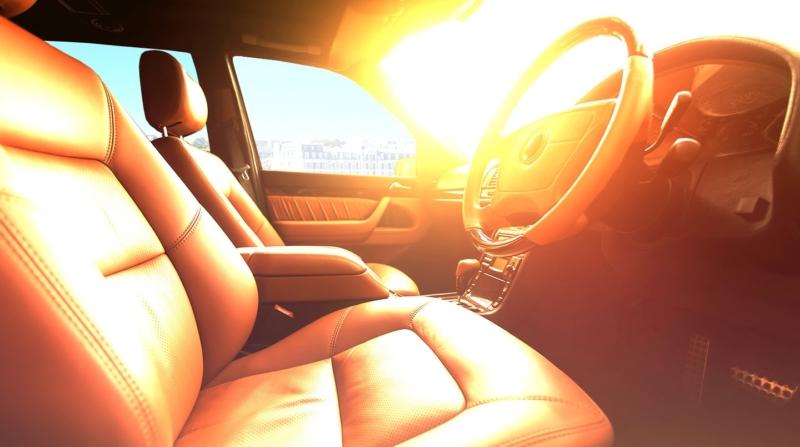 Три запрета: чего ни в коем случае нельзя делать с машиной в жару