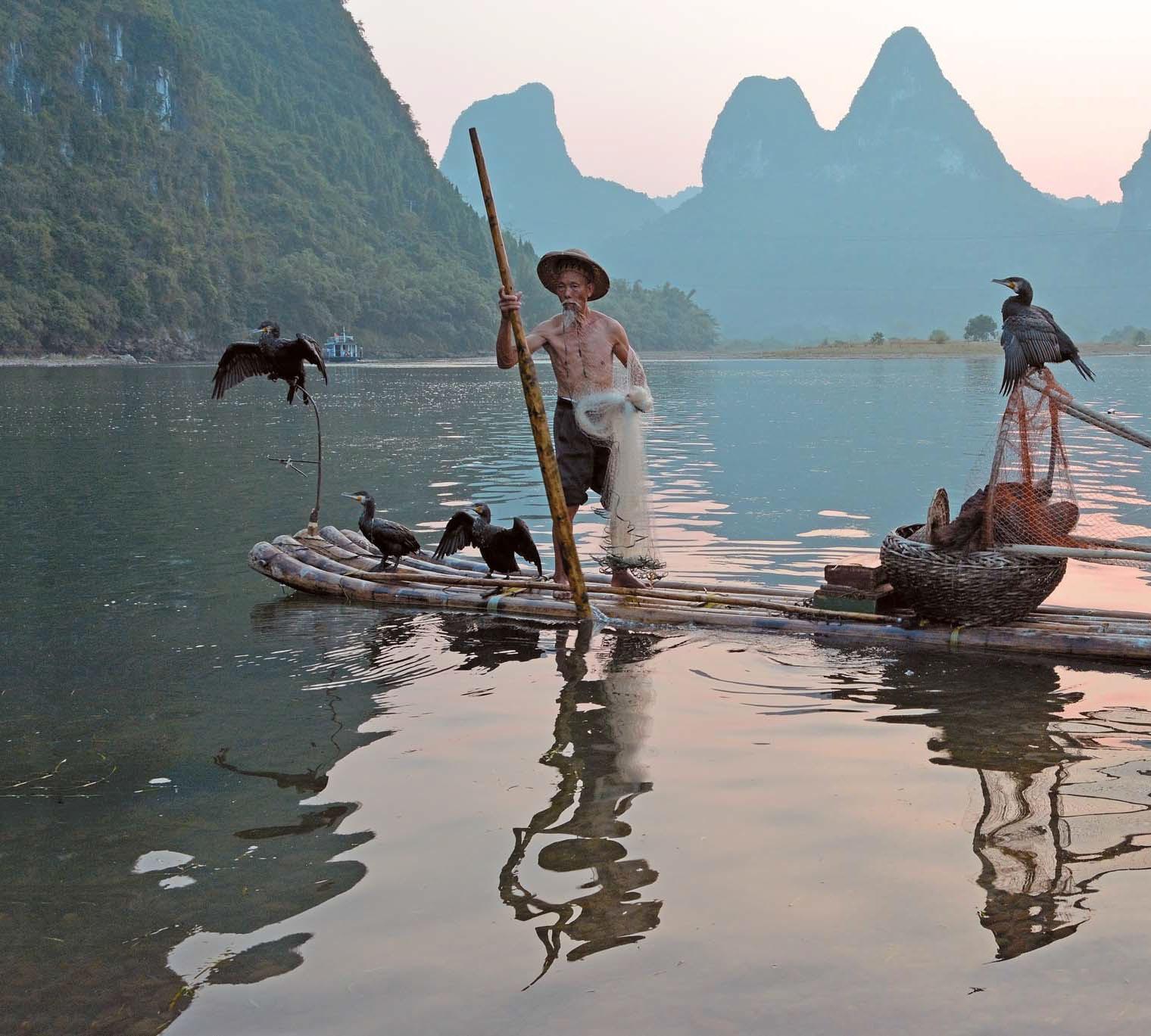 Необычный способ ловли рыбы в Китае