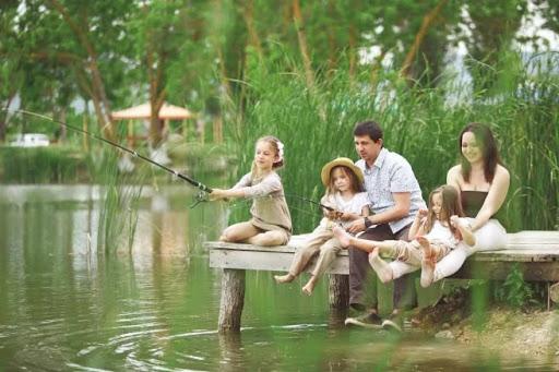 На рыбалку всей семьей