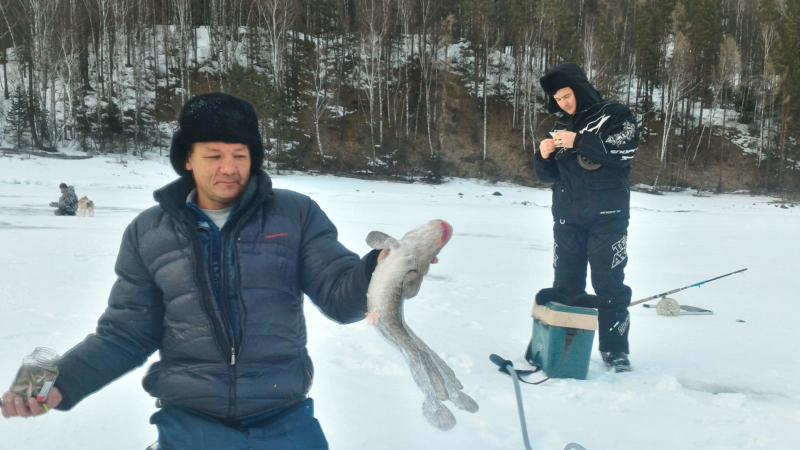 Зимняя рыбалка на Телецком озере, Алтай